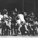 Imagem da briga generalizada no Ba-Vi de 25 de março de 1979, o primeiro da história do CORREIO