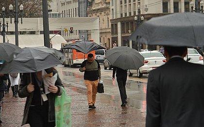 São Paulo tem 66% de chuva esperada para fevereiro em uma madrugada