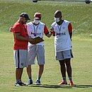 Técnico Wagner Lopes vai precisar escolher novas peças para o jogo contra o Coritiba