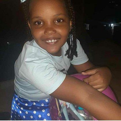 'Não havia mais ninguém armado a não ser os policiais', diz tia de menina morta em Valéria