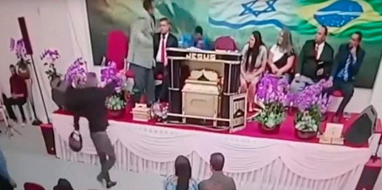Igreja transmite momento em que pastor é baleado em culto; veja