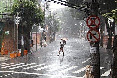 Avenida Sete atipicamente vazia no dia 2 de março de 2014, o oitavo mais chuvoso