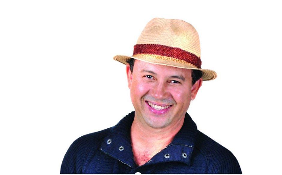 Verlando Gomes, cantor da Flor Serena