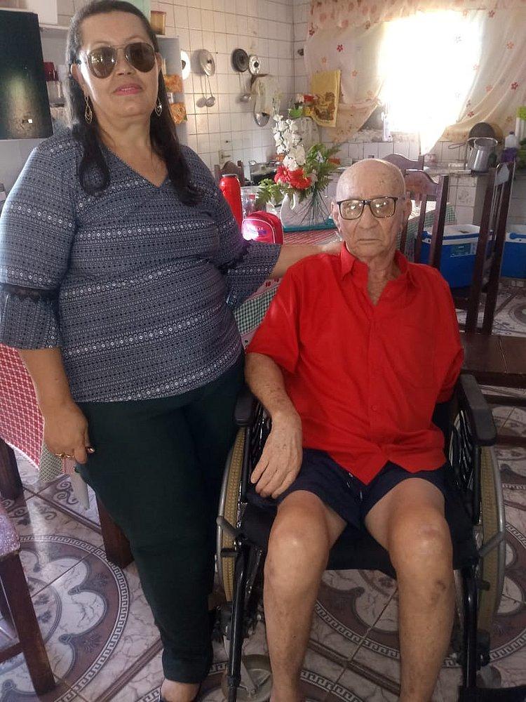 """""""Nunca senti tanta dor na vida"""", diz o aposentado Mário, uma das vítimas do médium (Crédito: Divulgação)"""