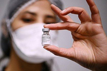 Prefeitura de Salvador anuncia cadastro para vacinação de pessoas entre 12 e 17 anos