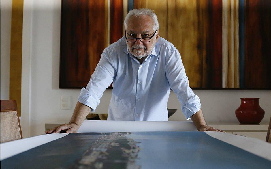Floro Freire, com uma de suas criações