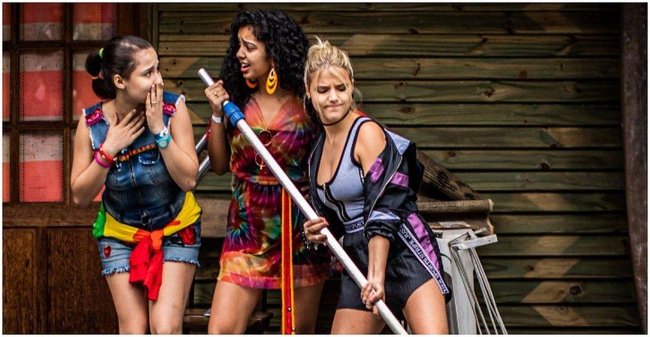 As jovens cantoras Bia Torres, Giulia Nassa e Laura Castro