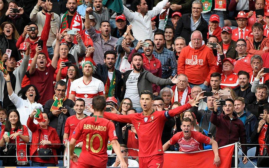 Cristiano Ronaldo marcou os três gol da vitória de Portugal sobre a Suíça