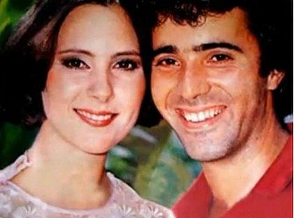 Elizabeth Savala e Tony Ramos formavam o casal protagonista Carina e André Cajarana, de Pai Herói