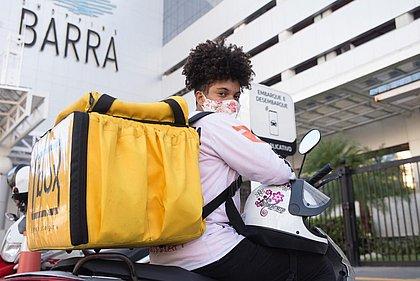 Donas do guidão: mulheres motociclistas superam machismo e fazem renda com entregas