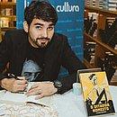 O escritor baiano Matheus Paleteiro