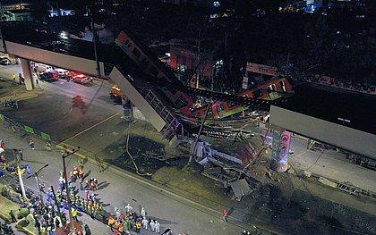 Viaduto de metrô desaba e deixa mais de 20 mortos no México