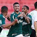 Matheus Rocha comemora durante jogo da base pelo Palmeiras