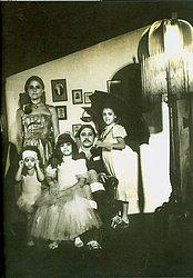 Família Chico posa com a ex-esposa Marieta Severo e as três filhas: Luisa (a menor). Helena (a do meio) e Silvia