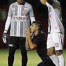 Neto Baiano lamenta chance perdida contra o Atlético