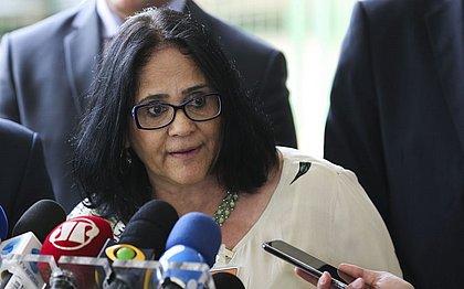 Damares defendeu prisão de prefeitos e governadores em reunião ministerial