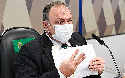 Pazuello passa mal em bastidores de CPI e é atendido por senador baiano