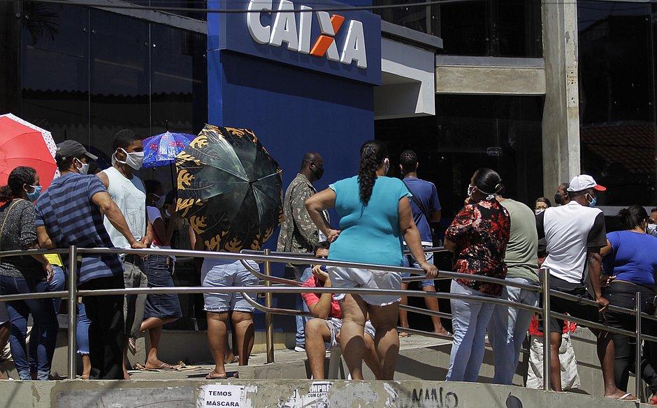 Caixa anuncia medidas para organizar filas e barrar aglomeração durante a pandemia