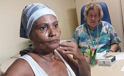'Me arrependo', diz avó que jogou neto pela janela em Cosme de Farias