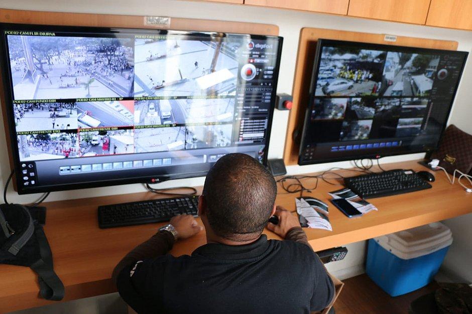 Polícia monitora fiéis no Bonfim com câmera térmica e sistema de reconhecimento facial