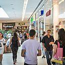 Cabula conta com vários shoppings e centros comerciais, como o Bela Vista, que reúne cerca de 200 operações