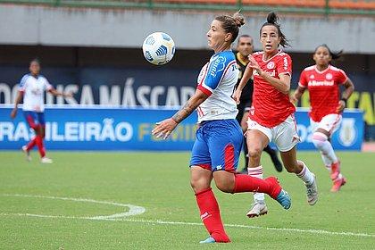 Moretti, do Bahia, em lance do jogo contra o Internacional