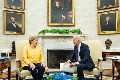 Após reunião na Casa Branca, Biden e Merkel dizem que China ameaça democracia
