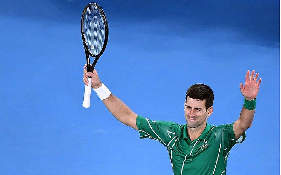 Djokovic festeja classificação às semifinais do Aberto da Austrália