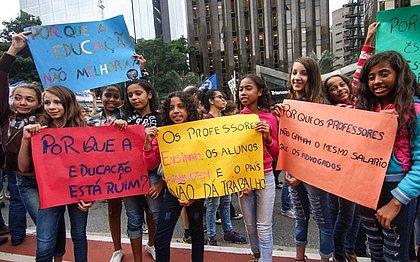 Crianças demonstram interesse por política e questões sociais cada vez mais cedo
