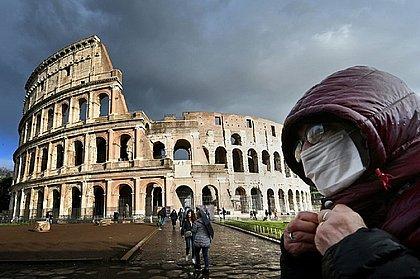Mais de 30 mil pessoas já morreram por causa do novo coronavírus na Europa