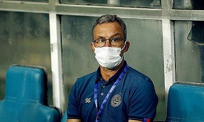 Claudinho revelou dificuldades durante a semana por conta dos casos de covid-19 no clube