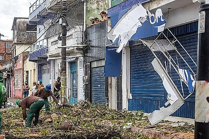 Prefeituras-Bairro auxiliam no atendimento rápido às vítimas da chuva
