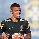 Gabriel Jesus será titular na estreia do Brasil diante da Suíça