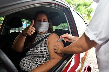 75% dos trabalhadores da educação municipal serão vacinados até segunda (3)