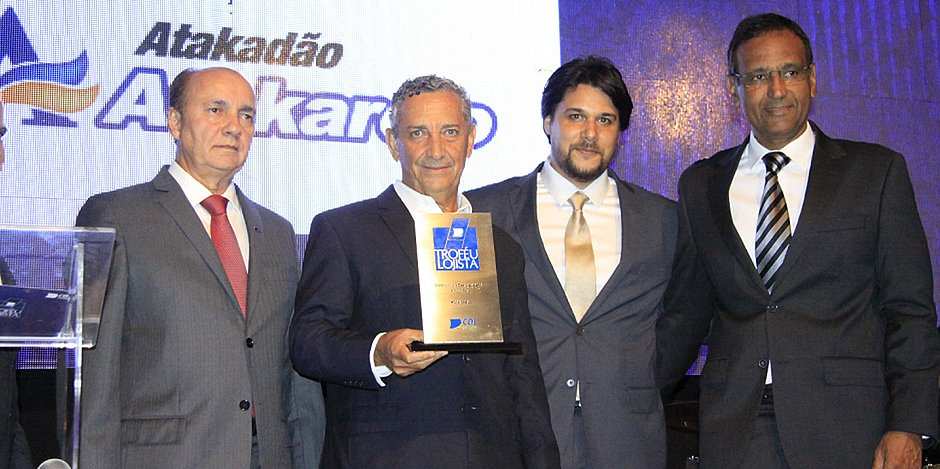 Prêmio Lojistas do Ano elege seis redes de destaque; Hiperideal é eleito melhor do ano