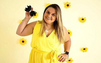 Criadora da marca Laçoterapia da Sophia, Soraia Ferreira era enfermeira até encontrar no laço não só uma terapia mas também uma oportunidade de negócio