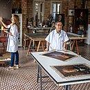 Retratos estão sendo restaurados em ateliê desde dezembro do ano passado