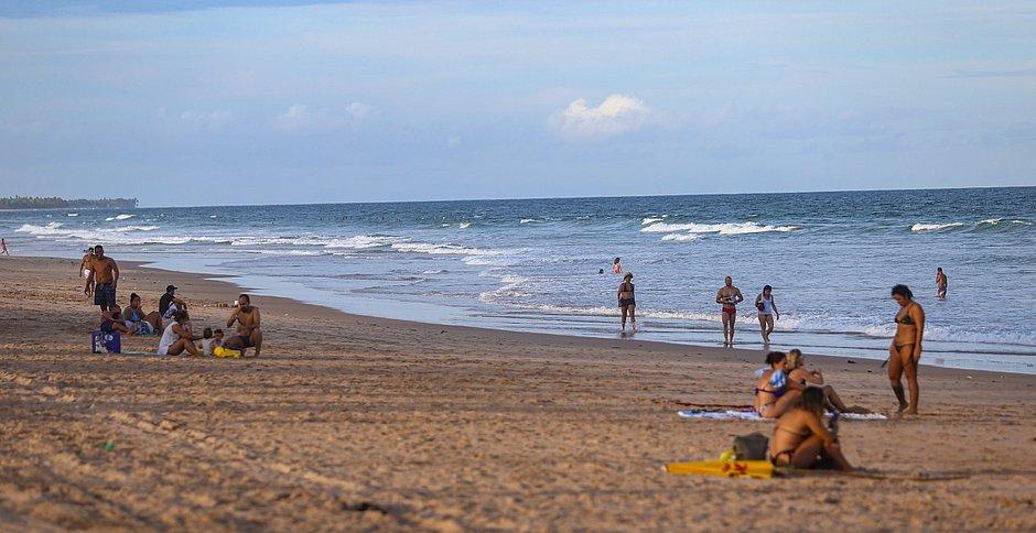 Fim de tarde na Praia do Flamengo durante isolamento