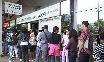 Em julho, faltou trabalho para 32,892 milhões de pessoas, aponta IBGE