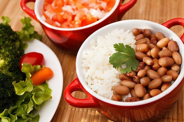 Chefs ensinam receitas com dois patrimônios da cozinha brasileira: o feijão e o arroz