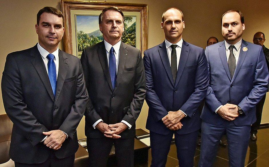Golpistas usam cartão de Bolsonaro para gastar R$ 290 mil em compras no Chile