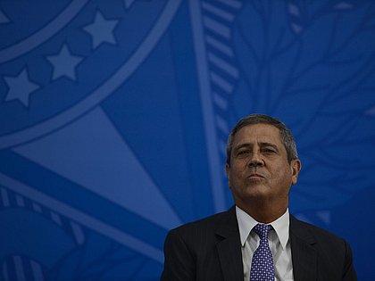 Braga Netto assume Defesa e diz que Golpe de 64 deve ser compreendido e celebrado