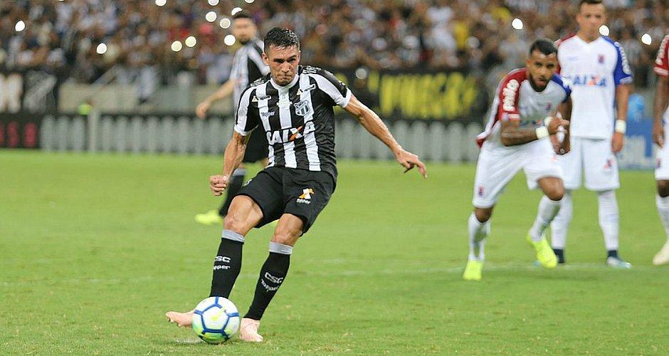 Juninho foi emprestado pelo Bahia ao Ceará por mais uma temporada