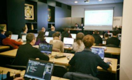 Nubank abre 100 vagas em curso para formação de programadores em Salvador