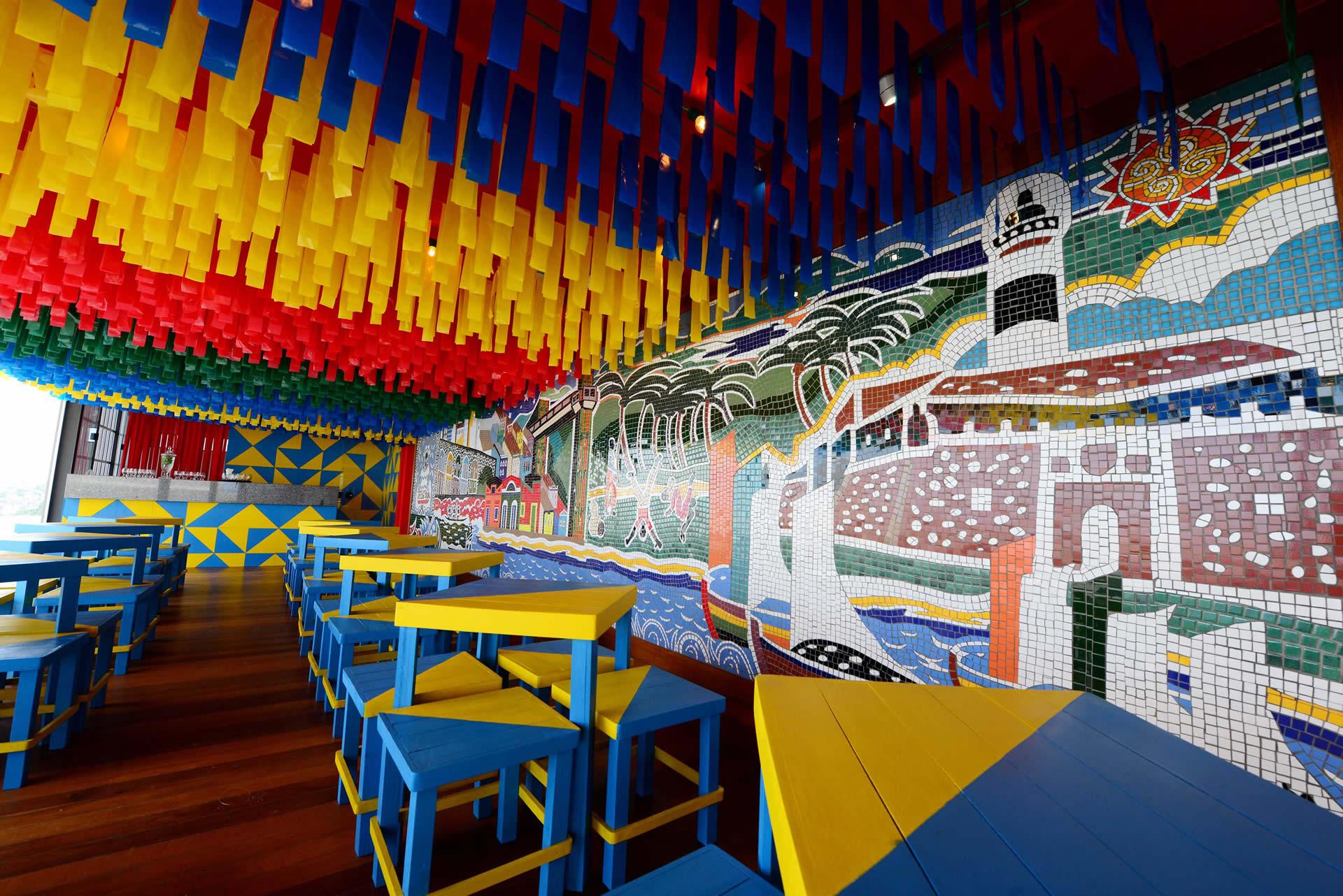 Terraço da Casa do Carnaval tem espaço para pequenos shows e vista da Baía de Todos os Santos