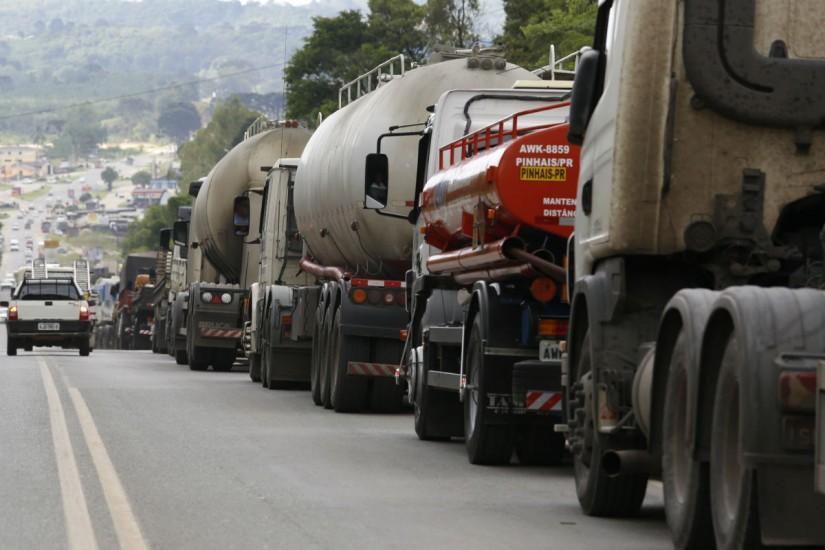 Resultado de imagem para greve dos caminhoneiros correio24horas