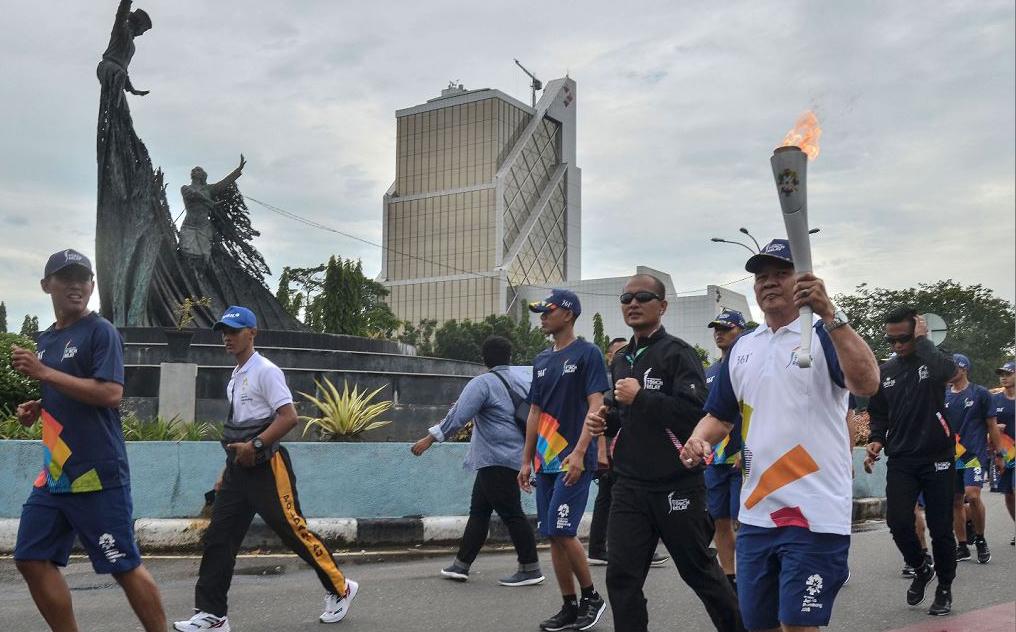 Revezamento da tocha para abertura dos Jogos Asiáticos de 2018 em Jacarta. A competição começará dia 18 de agosto e vai até  2 de setembro.