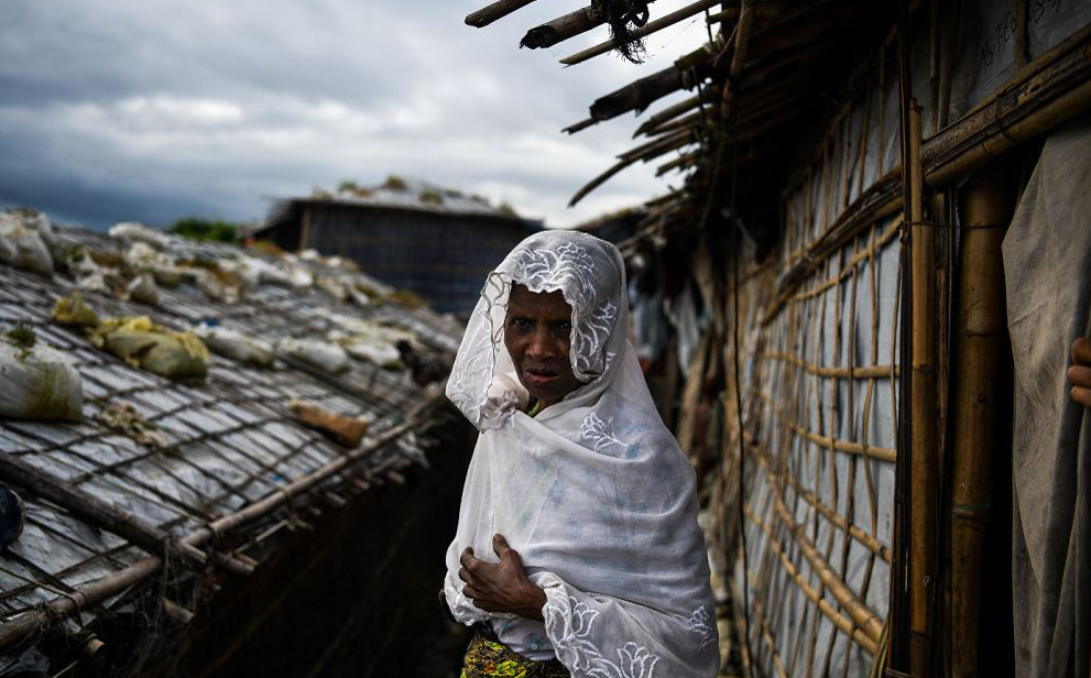 Mulher Rohingya no campo de refugiados de Kutupalong em Ukhia.