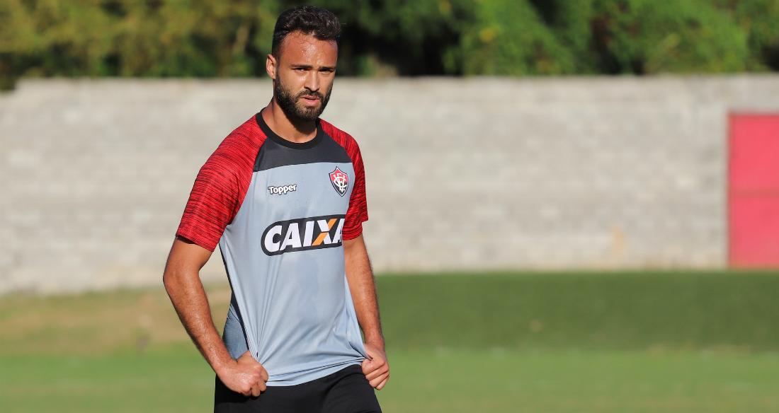Atacante Maurício Cordeiro ainda não estreou com a camisa do Vitória 1cb959d956bb6