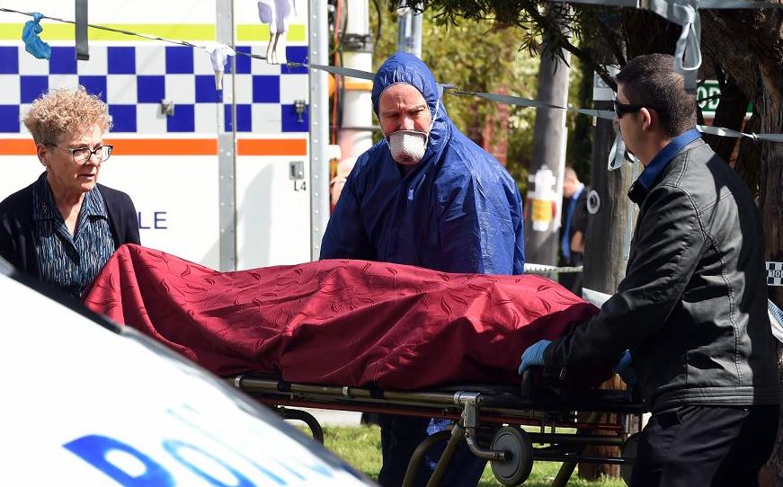 Um jovem australiano é acusado do assassinato de cinco membros da família, incluindo três crianças, depois que os corpos foram encontrados em uma casa suburbana  na cidade de Perth, numa matança que chocou o país.